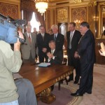 govenor-signing-i1